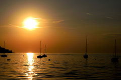 Skönheten av solnedgången på kusten Royaltyfri Bild
