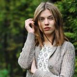 Skönhetframsida av den härliga tonåringflickan Arkivfoton