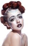 Skönhetkvinna i futuristic makeup fotografering för bildbyråer