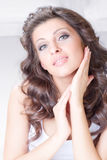 Skönhetkvinna med långa hår Royaltyfri Fotografi