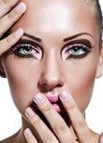 Skönhetkvinna med makeup royaltyfri bild