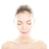 Skönhetkvinna - perfekt stående för hudomsorg Arkivfoton