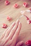 Skönhetmanicure och avslappnande wellness för brunnsort Royaltyfria Foton