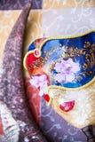 Skönhetmaskering och horn Royaltyfri Foto