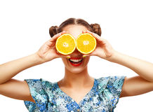 Skönhetmodellflicka med saftiga apelsiner Arkivbild