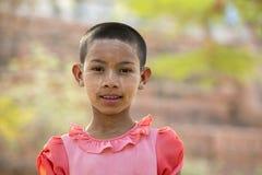 SKÖNHETSMEDEL FÖR ASIEN MYANMAR BAGAN FOLKFRAMSIDA THAMAKA Arkivbilder