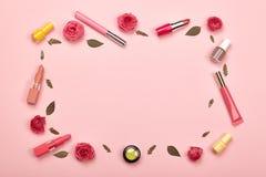 Skönhetsmedel och tillbehör för ` s för trendiga kvinnor fotografering för bildbyråer