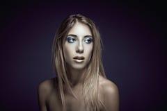 Skönhetstående av den unga sexiga kvinnan Royaltyfria Bilder