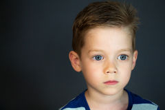 Skönhetungepojke 4 år Fotografering för Bildbyråer