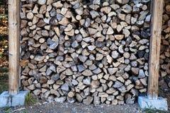 Skördad wood near chalet, Kanada royaltyfri bild