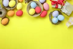 Sköt den bästa sikten för tabellen av lycklig påsk för ordningsgarnering Royaltyfria Bilder