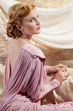 sköt det härliga stiftet för 40-tal stil upp kvinnabarn Royaltyfri Foto