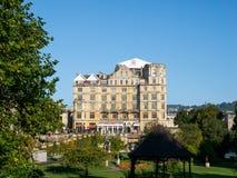 SKĄPANIE, SOMERSET/UK - PAŹDZIERNIK 02: Widok Empirowy hotel w nietoperzu Obraz Stock