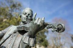 Skąpanie, Somerset, Zjednoczone Królestwo, 22nd 2019 Luty, statua Wolfgang Amadeus Mozart w parada ogródach obraz stock