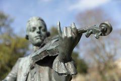 Skąpanie, Somerset, Zjednoczone Królestwo, 22nd 2019 Luty, statua Wolfgang Amadeus Mozart w parada ogródach fotografia stock