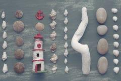 Skład set skorupa kamieni otoczaków jeża tła kopii gwiazdowe drewniane stare szarość będąca ubranym przestrzeń Fotografia Stock