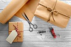 Skład z drobnicowymi prezentów pudełkami Obrazy Stock