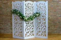 Składać drewnianego ekran lub izbowego divider z trzy panel rozdziałem obraz stock