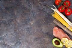 Składniki dla przygotowywać makaronu, azjata kluski z lub fotografia royalty free