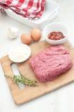 Składniki dla robienie meatloaf zdjęcia stock