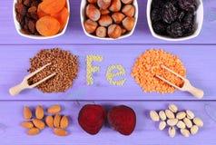 Składniki i produkty zawiera ferrum i żywienioniowego włókno, zdrowy jedzenie Obrazy Royalty Free
