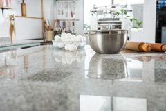 Składniki Na Marmurowym Countertop W reklamie zdjęcie royalty free