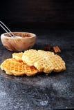 Składniki sezonowy jesieni kucharstwo, piec Belgijscy gofry, zdjęcie stock