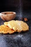 Składniki sezonowy jesieni kucharstwo, piec Belgijscy gofry, obraz royalty free