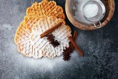 Składniki sezonowy jesieni kucharstwo, piec Belgijscy gofry, obrazy royalty free