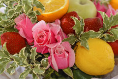 Skład kwiaty i owoc Zdjęcia Stock