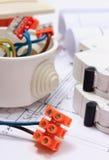 Składniki dla elektrycznych instalacj i budowa diagramów Fotografia Stock