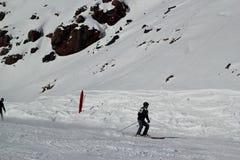 Skłon na narciarstwo kurorcie Elbrus Obrazy Royalty Free
