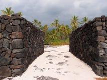 Skał ściany Pu'uhonua o Honaunau - miejsce schronienie Zdjęcia Royalty Free