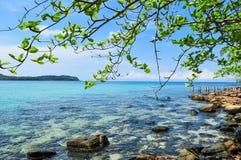 Skała na plaży przy Kood wyspą Obraz Royalty Free