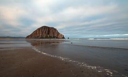 Skała przy Morro zatoką na Środkowym Brzegowym Kalifornia obraz royalty free