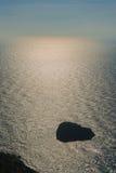 Skała w morzu Obrazy Stock