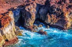 Skały na północnego zachodu wybrzeżu Tenerife blisko Punto Teno latarni morskiej Zdjęcia Royalty Free