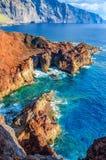 Skały na północnego zachodu wybrzeżu Tenerife blisko Punto Teno latarni morskiej Obraz Stock