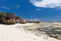 Skały na Seychelles wyspy plaży w oceanie indyjskim Zdjęcia Royalty Free
