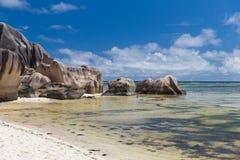 Skały na Seychelles wyspy plaży w oceanie indyjskim Obraz Royalty Free