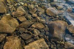 skały pod wodą fotografia stock