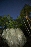 Skała i nocne niebo Obraz Stock