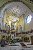 Ska Turza ÅšlÄ…, Polen, am 7. Oktober 2017: Presbyterium mit einem Alta Lizenzfreie Stockfotos