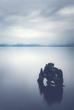 Skała w spokojnym morzu Zdjęcie Royalty Free