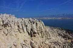 Skały na kamiennej dennej wyspie Zdjęcia Stock