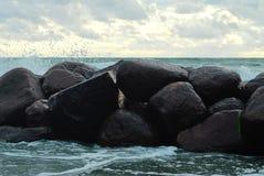 Skały na oceanie Zdjęcia Royalty Free
