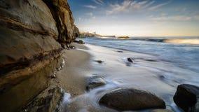 Skały, piasek i fala San Diego linia brzegowa, Zdjęcia Royalty Free