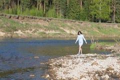 skały target1199_1_ kobiety Zdjęcia Stock