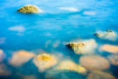 Skały w wodzie Zdjęcie Stock