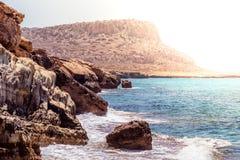 Skała przy przylądka Greco lasu państwowego parkiem Famagusta okręg, Cyp Fotografia Royalty Free